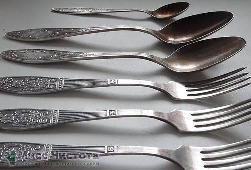 Fourchettes et cuillères