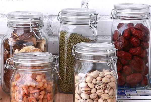 Stockage des produits dans des boîtes scellées
