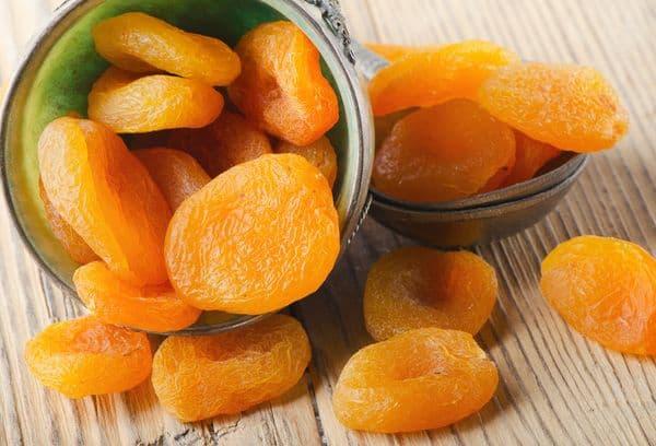 pot d'abricots secs