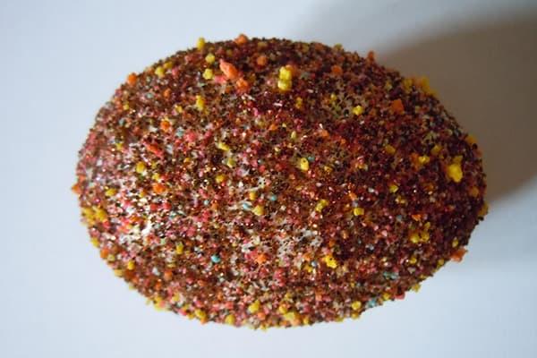 Œuf cuit à la semoule de couleur