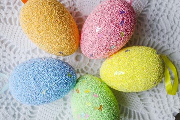 Oeufs de Pâques en couleur