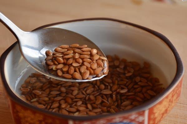 Trempage des graines de lin