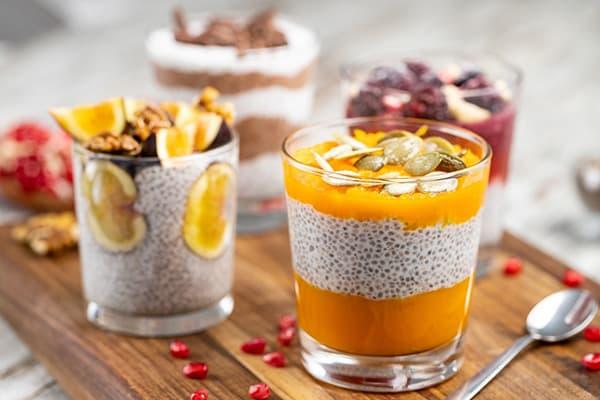 Desserts aux graines de chia et au lait de coco