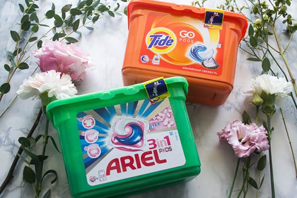 Capsules de lessive Marée et Ariel