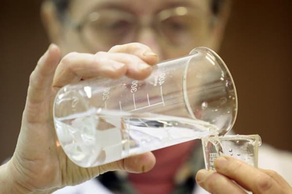 Vérification de l'eau du robinet
