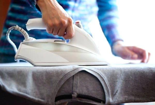 Natte shirts strijken