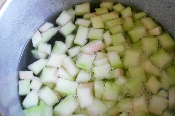 Cuisson des tranches de melon d'eau