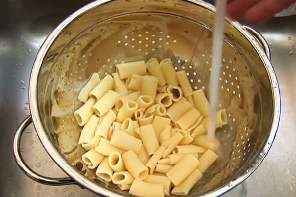 Rincer les pâtes